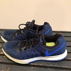 Nike Men's/Boys 8.5 running crosstraining sneakers